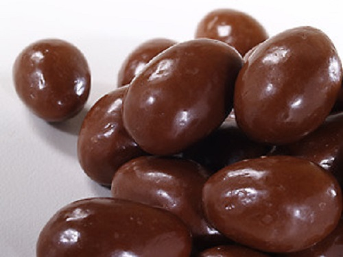 Chocolate coated Almonds 1kg Bag
